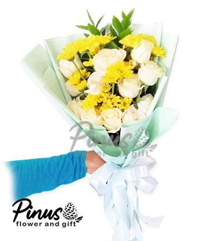 Bunga Ucapan Selamat - Majestic White Bouquet