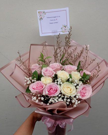 Anniversary Gift - Love Struck Bouquet
